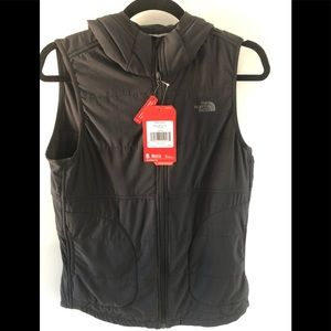 NWT The North Face Hooded Vest sz sm Black